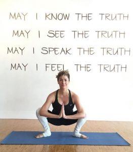 ¿Por qué practicar yoga aéreo? - www.michellebadillo.com