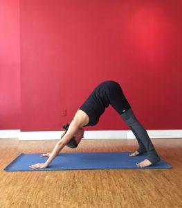 las-posiciones-de-yoga-mas-faciles-de-hacer-michellebadillo