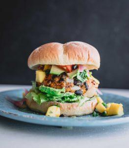 hamburguesas-veganas-de-caraotas-y-quinoa-michellebadillo